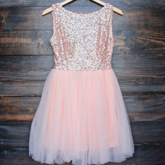abendkleider-kurz-elegant-rosa-Farbe-Pailletten-Tüll