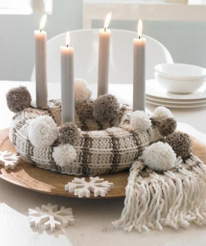 adventskranz-basteln-weiße-gestaltung-schöne-kerzen