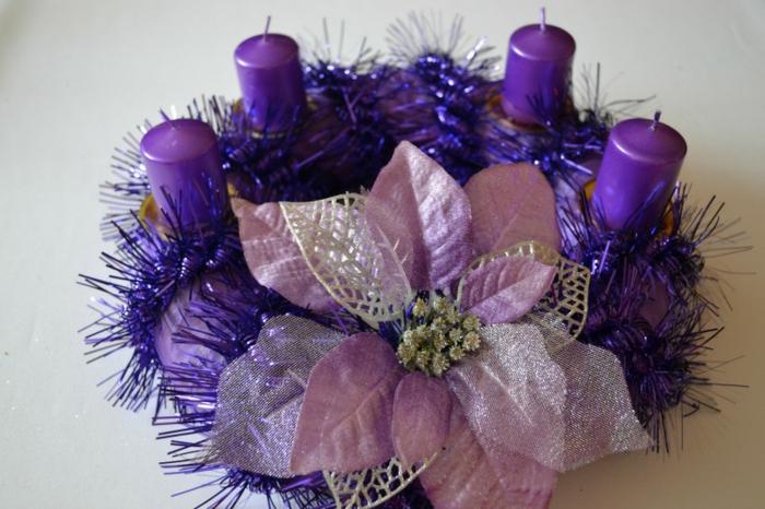 adventskranz-ideen-große-lila-blume