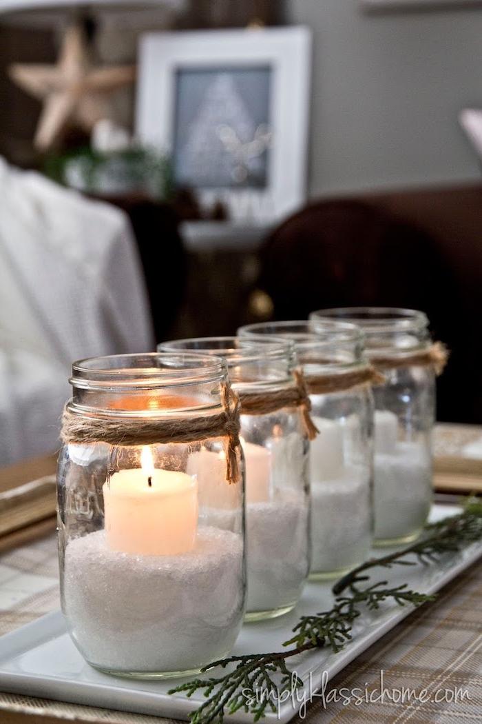Tolle Alternative zum klassischen Adventskranz, vier Einmachgläser mit künstlichem Schnee füllen, Kerzen darin stecken