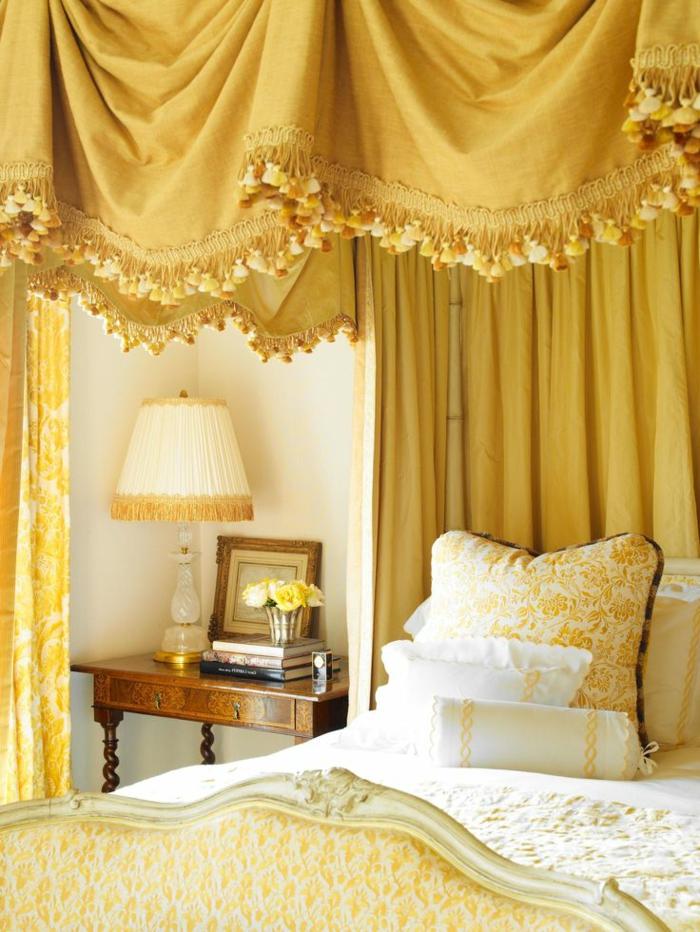aristokratisches-Schlafzimmer-Interieur-schöne-Gardinen-Ideen