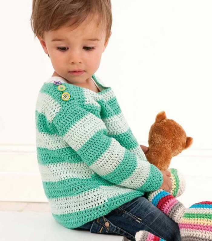 baby-pullover-stricken-gestreift