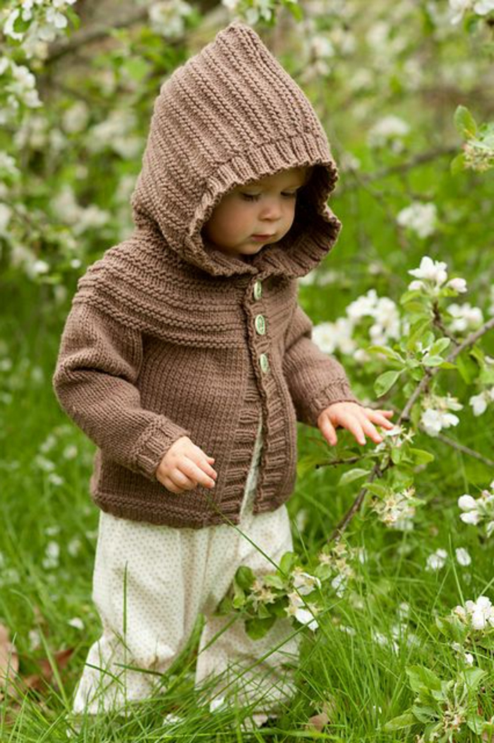 baby-pullover-stricken-ideen-in-braun