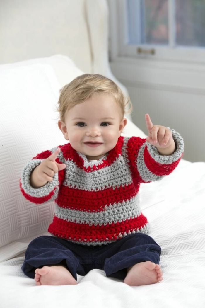 baby-pullover-stricken-strickarbeit