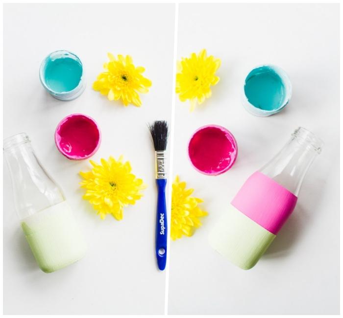 blaue und rosa farbe, glasflasche mit quarellfarbe verzieren, blumen tischdeko basteln, pinsel
