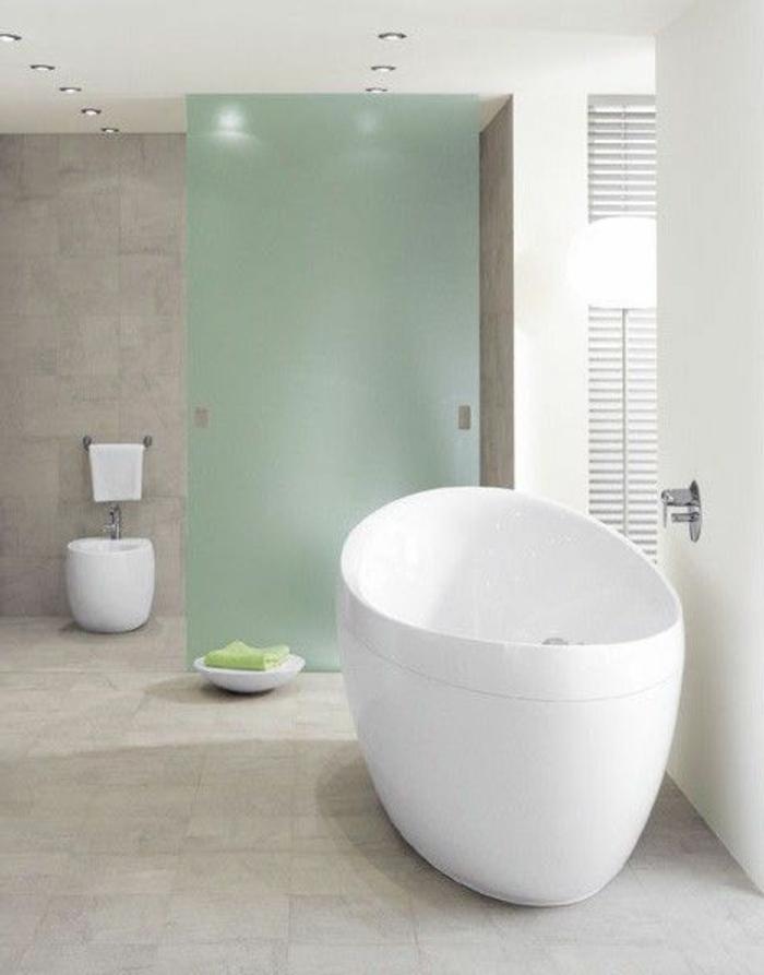 cooles-Badezimmer-Interieur-freistehende-badewanne-oval-eiförmig