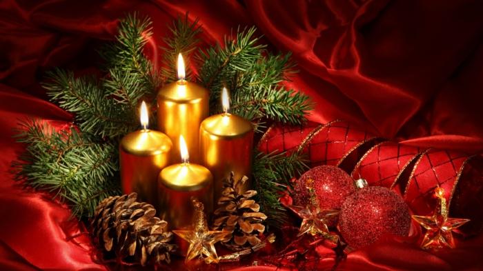 dekoideen-zum-weihnachten-tolle-kerzen-und-rote-schleifen