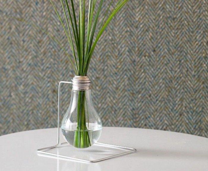 einmalige-deko-vase-aus-Glühbirne