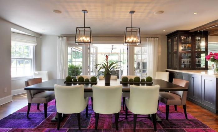 feines-Esszimmer-Interieur-lila-Teppich-modern-Patchwork