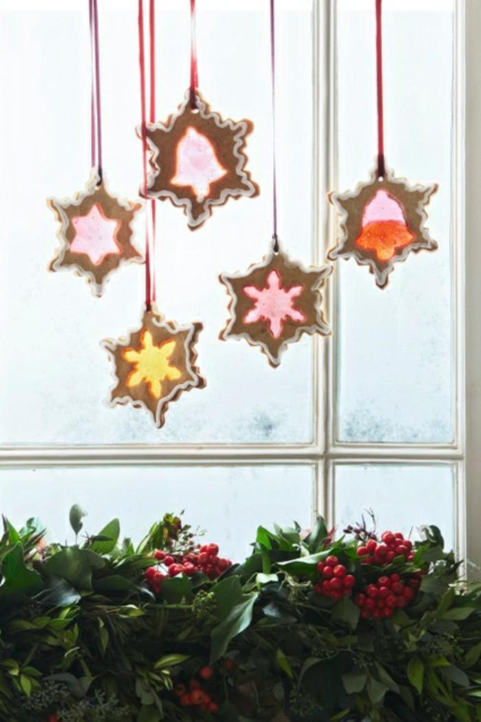 fensterdeko-weihnachten-basteln-elegante-hängende-sterne
