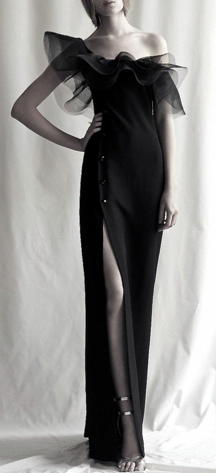 festliche-kleider-extravagante-kleider-schwarzes-langes-Modell
