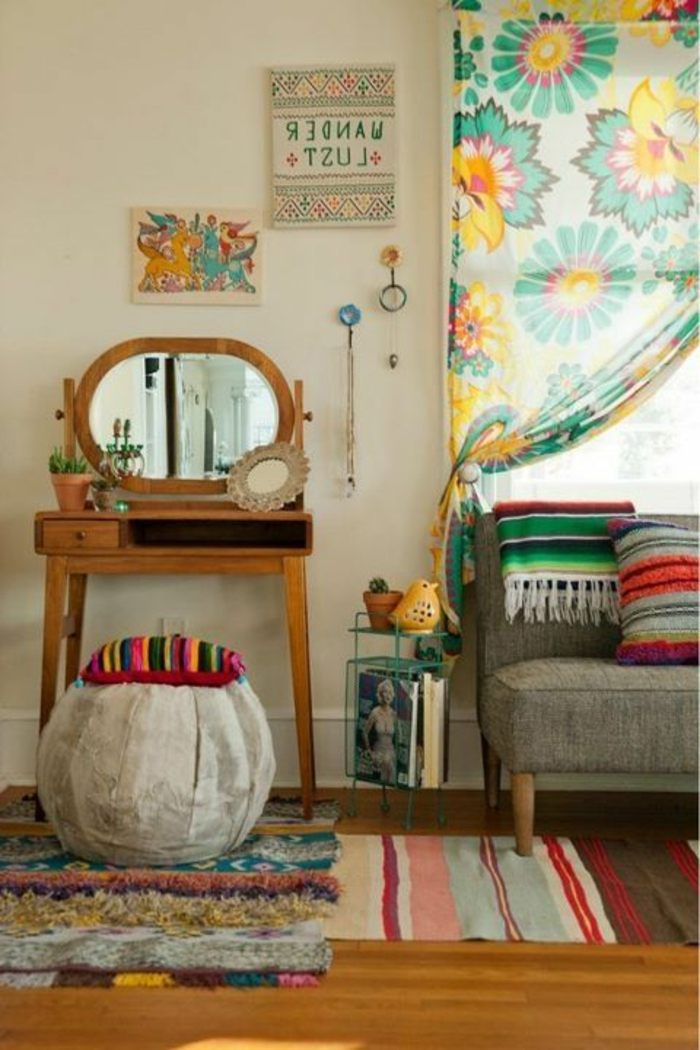gardinen-für-wohnzimmer-boho-vintage-Stil-buntes-Blumen-Muster