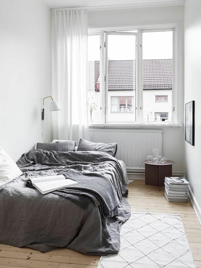 Gemütliches Schlafzimmer Weiße Durchsichtige Fenster Gardinen