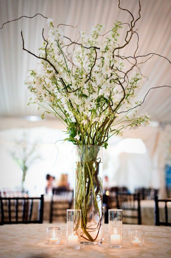 glasvasen-groß-schöne-blumenvasen-glas-Kerzen-herrliche-Tischdekoration