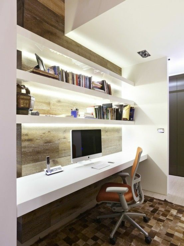 inneneinrichtung-ideen-fürs-Arbeitszimmer-räumliches-Zimmer-großer-Schreibtisch-Regale
