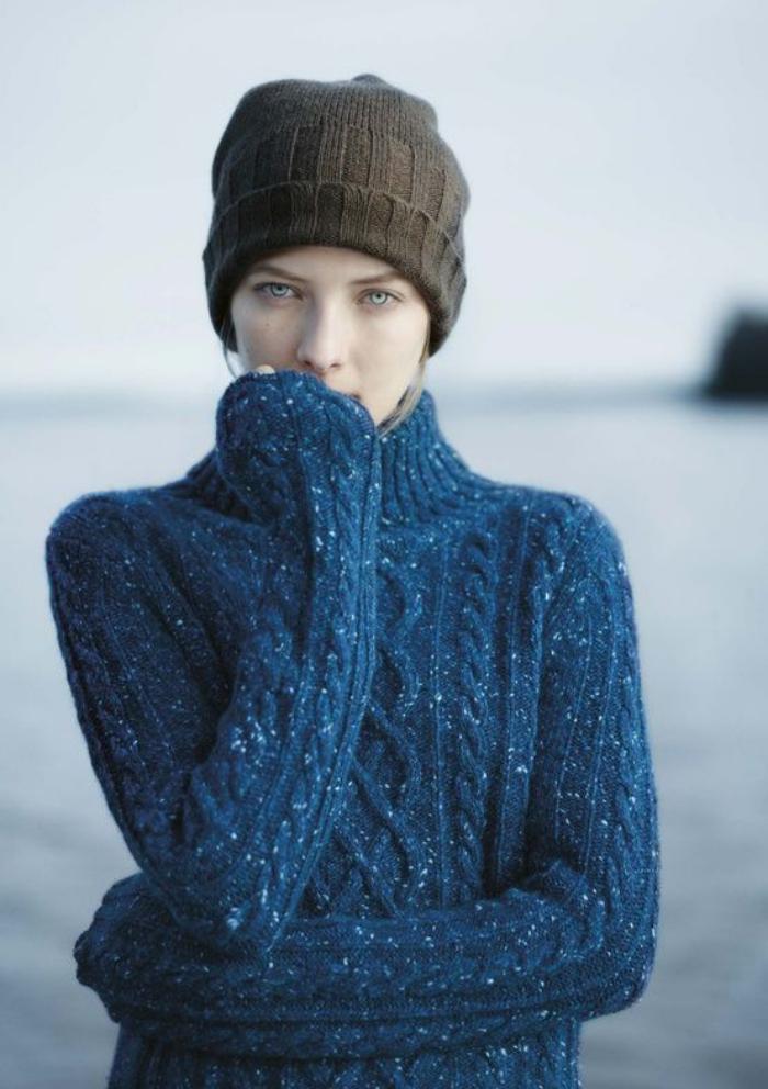 irische-Pullover-blau-Zopfen-Muster