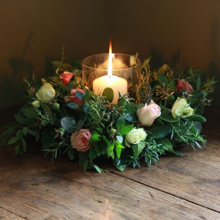 künstlicher-adventskranz-sehr-schöne-dekoration-zum-weihnachten