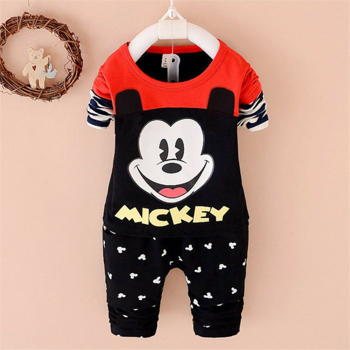 kinderpyjama-Mickey-Mouse-Muster-cooles-Modell