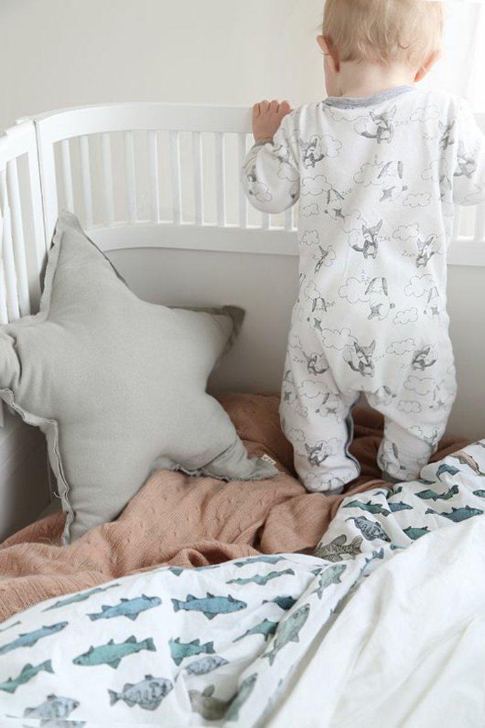 kinderpyjama-jungen-schlafanzug-weiß-Fuchsen-Muster