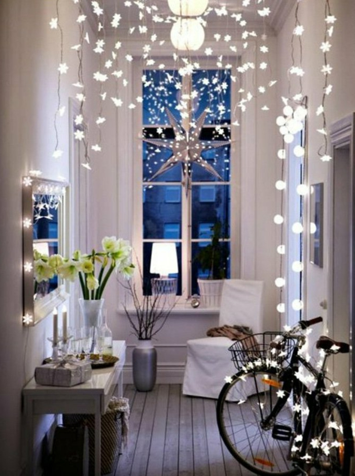 lichterkette-birnen-partylichterketten-im-Flur-Weihnachtsdekoration