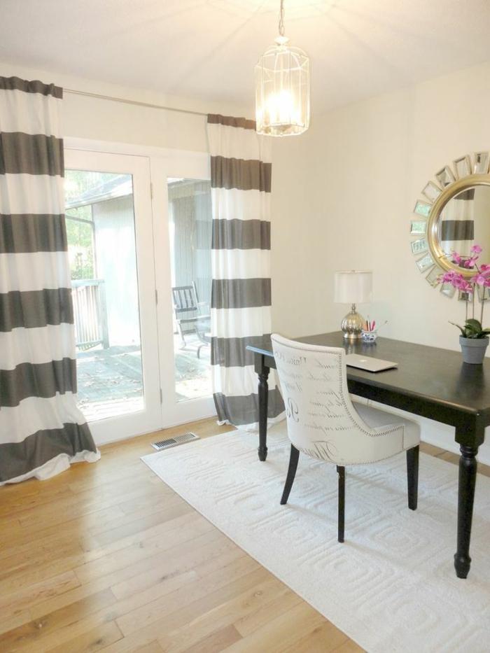 luxuriöses-Interieur-moderne-gardinen-für-wohnzimmer-weiß-graue-Streifen
