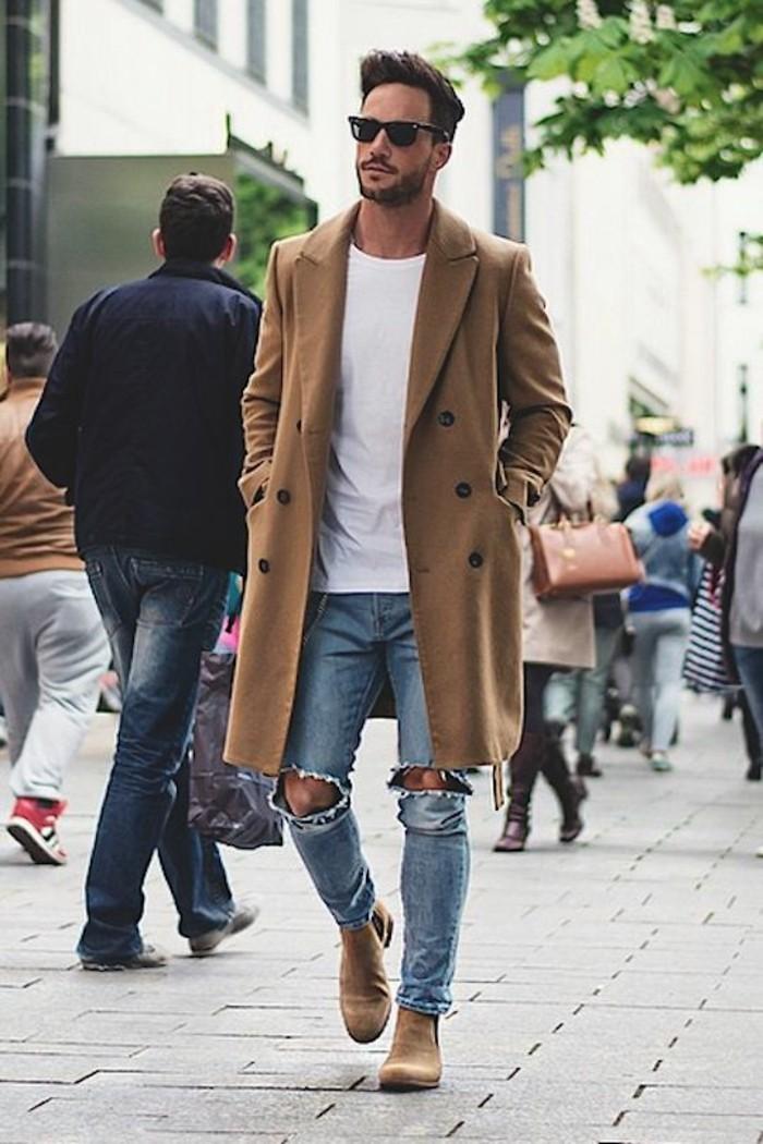 männer-jeans-mit-löchern-Mantel-Cappuccino-Farbe