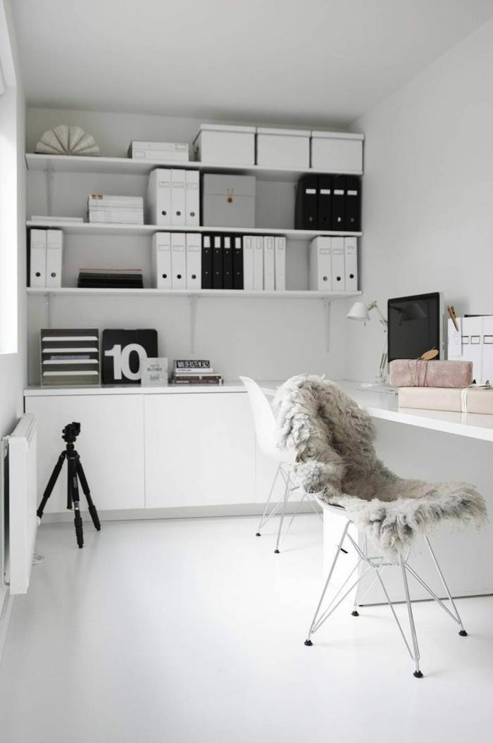moderne-wohnideen-fürs-Arbeitszimmer-alles-in-Weiß-schlicht-praktisch