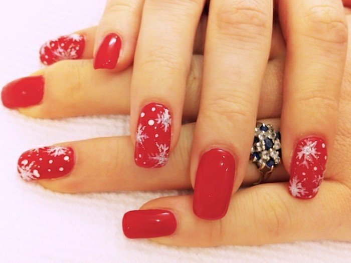 nageldesign-weihnachten-bilder-in-rot-