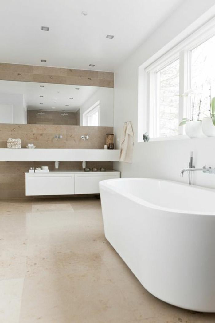 räumliches-Badezimmer-weiße-duo-badewanne-oval