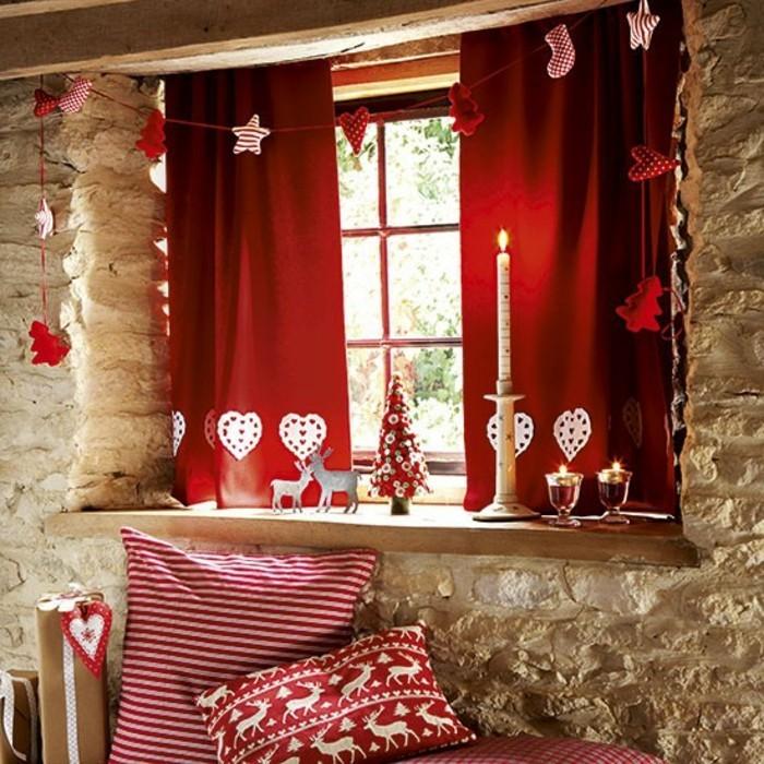 rote-schöne-gardinen-schöne-fensterdekoration-zum-weihnachten