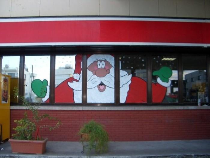 schöne-fensterdekoration-zum-weihnachten-herrliche-schaufenster-gestaltung