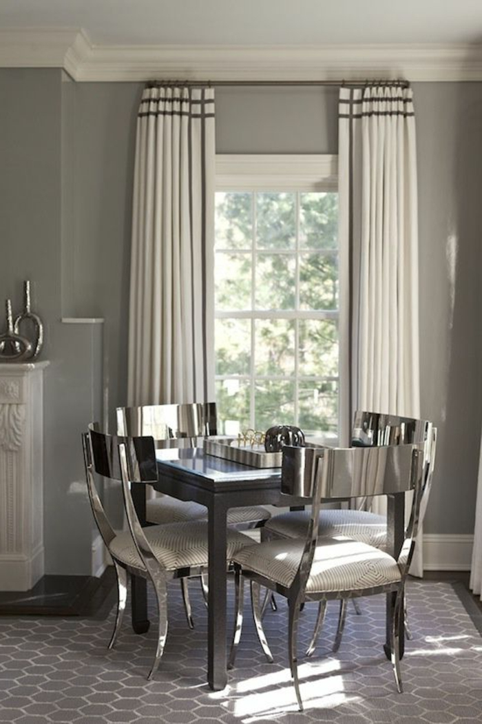 schöner-wohnen-gardinen-weiß-mit-Dekoration