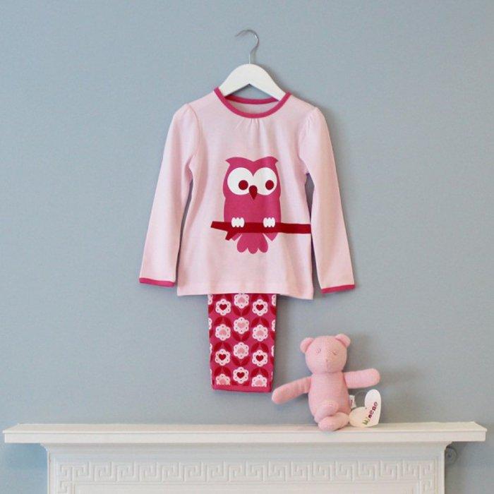 schlafanzug-mädchen-rosa-Nuancen-Eulen-Motive