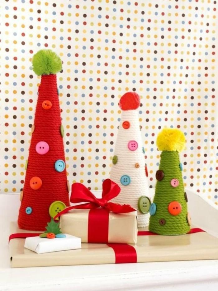 selbstgemachte-weihnachtsgeschenke-viele-bunte-kleine-weihnachtsbäume