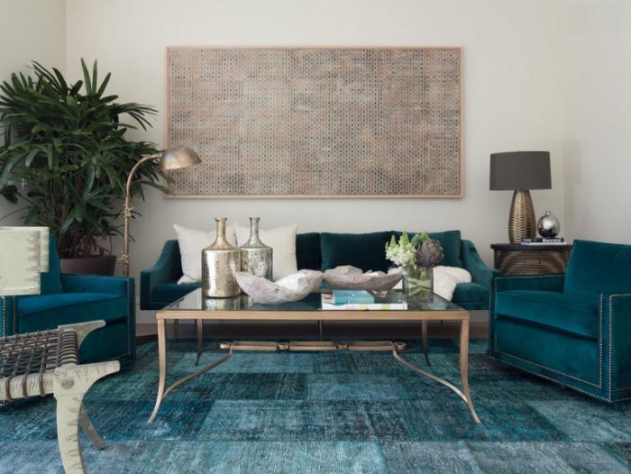 stilvolle-Wohnzimmer-Gestaltung-feine-Möbel-teppich-türkis-Farbe-Patchwork-Teppich