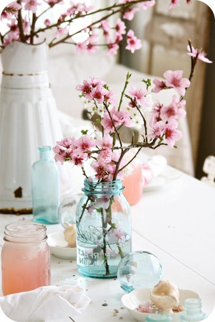 vintage-tischdekoration-zärtliche-rosa-Blüten
