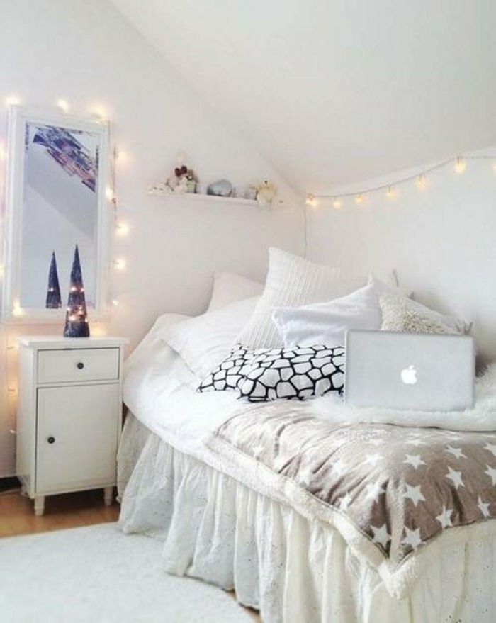 49 ideen f r dekoration mit party lichterkette for Chambre youtubeuse