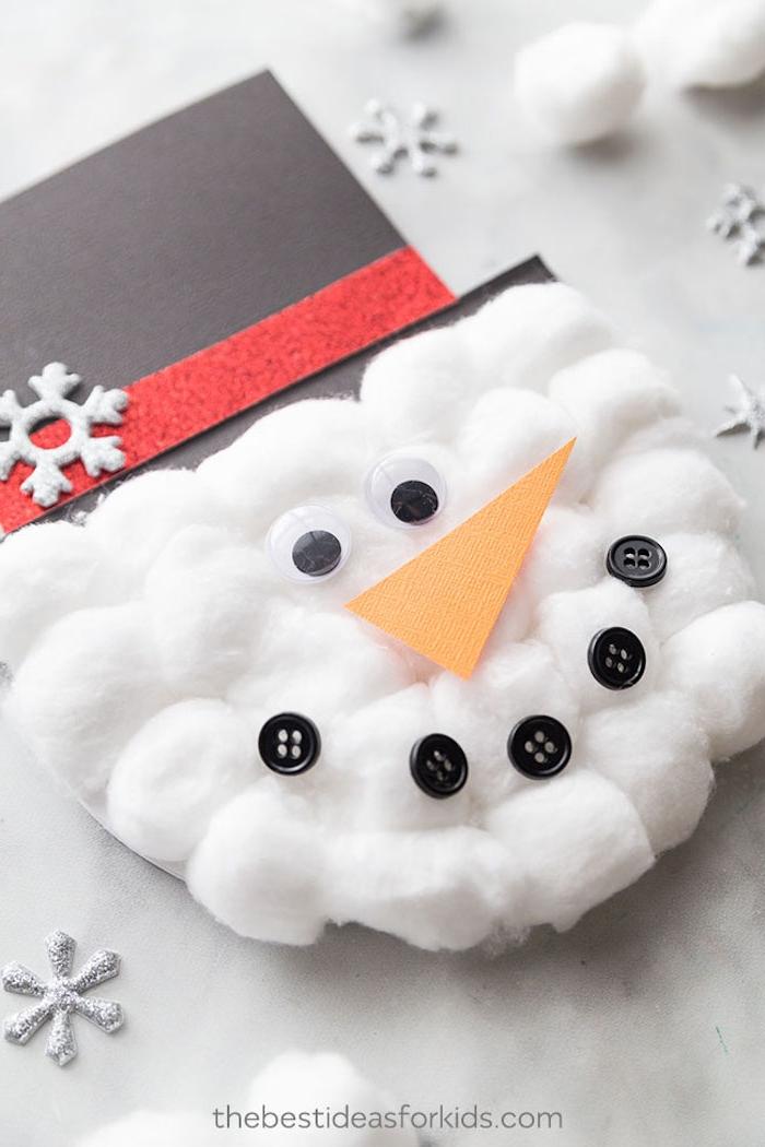 DIY Idee für ausgefallene Weihnachtskarten, Schneemann basteln aus Papier und Watte, Basteln Kinder Weihnachten