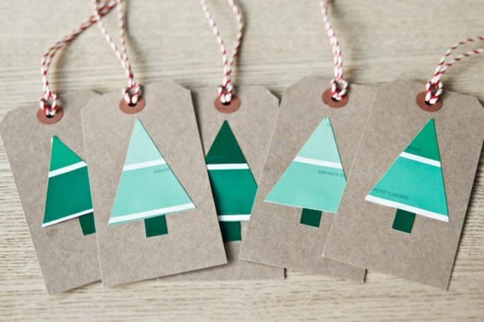 weihnachten-geschenkideen-selbstgemacht-interessante-weihnachtskarten-mit-blauen-tannenbäumen