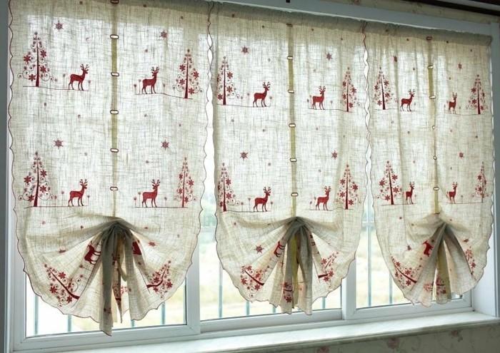 weihnachts-fensterschmuck-wunderschöne-gardinen-tolles-foto