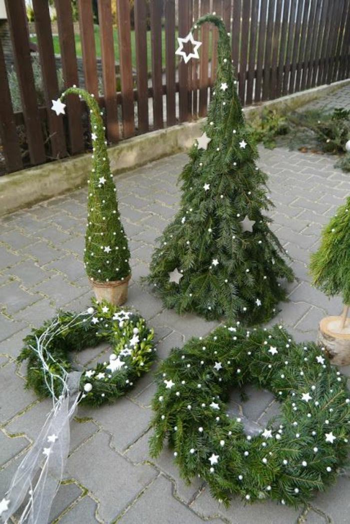 weihnachtsdeko-mit-naturmaterialien-grüne-gestaltung