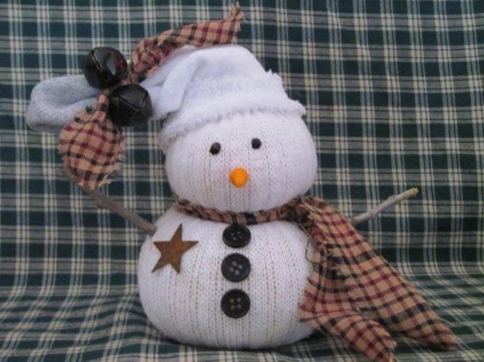 weihnachtsgeschenke-selber-basteln-tolles-modell-schneemann-nähen