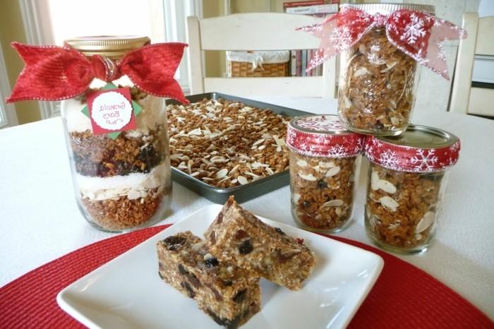 weihnachtsgeschenke-selbst-gemacht-viele-leckere-köstlichkeiten