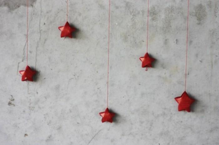 weihnachtsstern-basteln-unikale-kleine-süße-sterne-in-rot