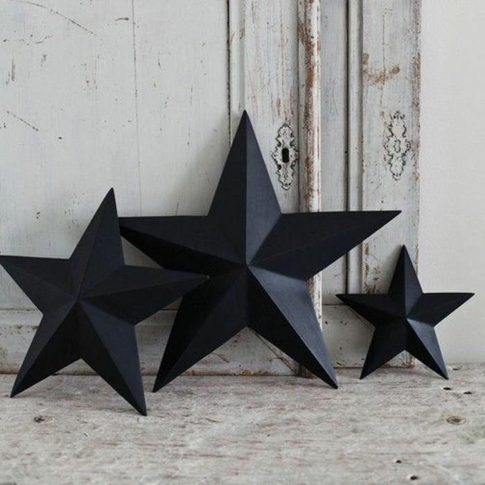 weihnachtssterne-basteln-drei-schwarze-modelle