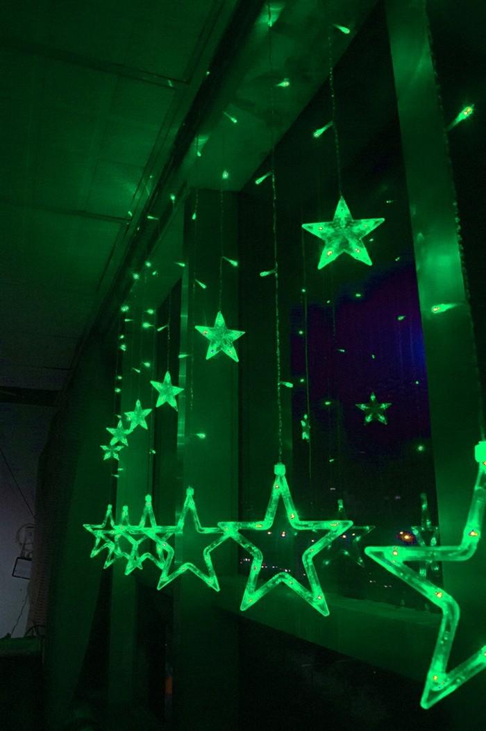 weihnachtssterne-basteln-leuchtende-grüne-modelle