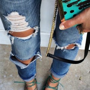 Zerrissene Jeans - 42 Styling Ideen damit!