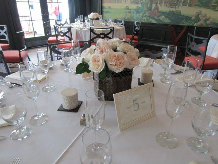 5-herrliche-Tischdekoration-für-Hochzeit-inspiriert-vom-Dornröschen-Märchen