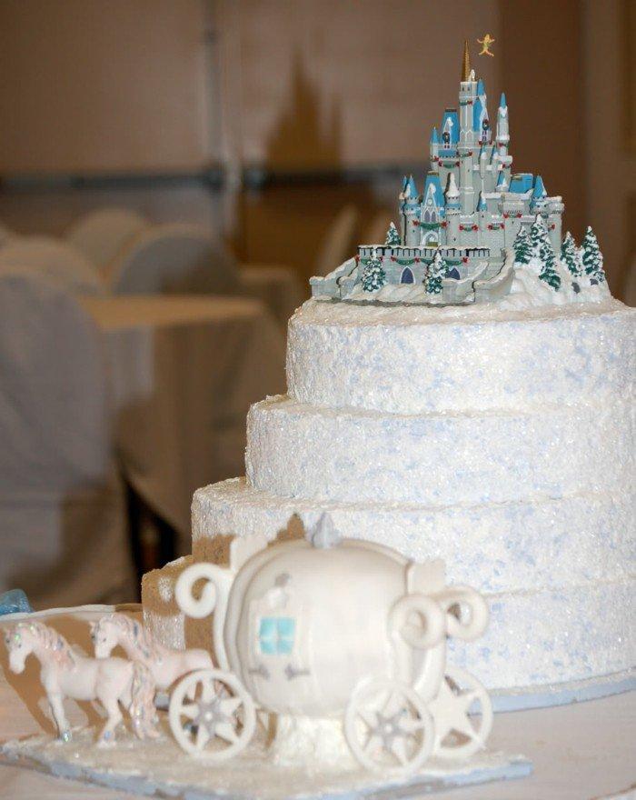 7-Hochzeitstorte-inspiriert-vom-Aschenputtel-Märchen