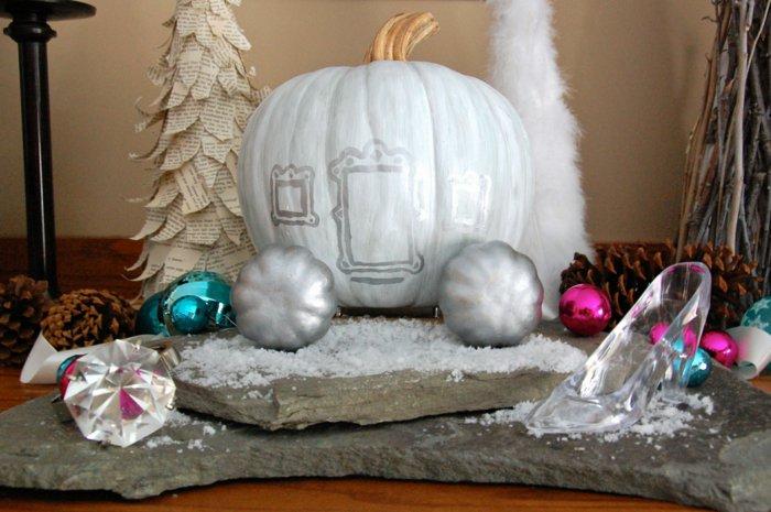 Aschenputtel-Dekoration-für-eine-winterliche-Hochzeit